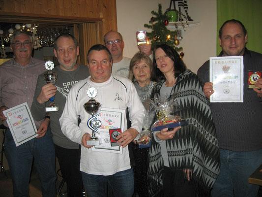 Pokalsieger 2016-v.l.  Franz Teuchert, Markus Mühleis, Jens Goldgrebe, Thomas Braun, Vorsitzende Elli Hirschmann, Silke Pöthig und Martin Biber