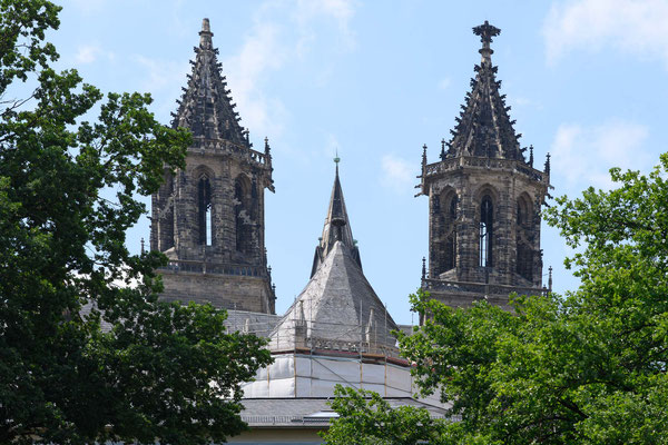 Die Spitzen des Doms des Wahrzeichens Magdeburgs
