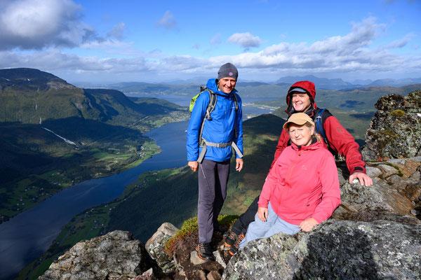 am Gipfel des Straumshornet mit Leif und Irene- on top of Straumshornet with Leif and Irene