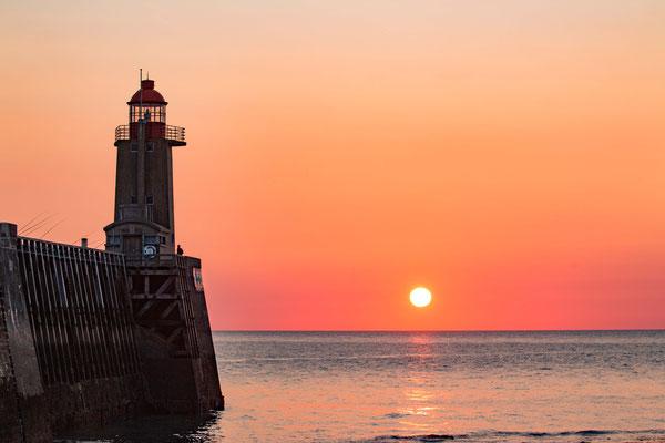 der Leuchtturm von Fecamp / the lighthouse of Fecamp