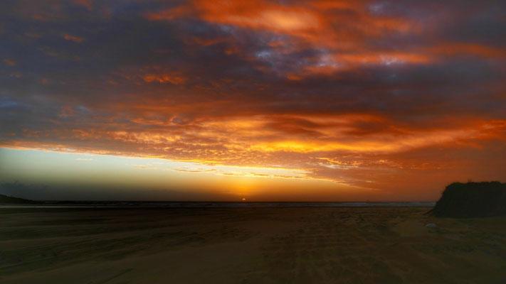 Sonnenunztergang an der Ninty Mile Beach