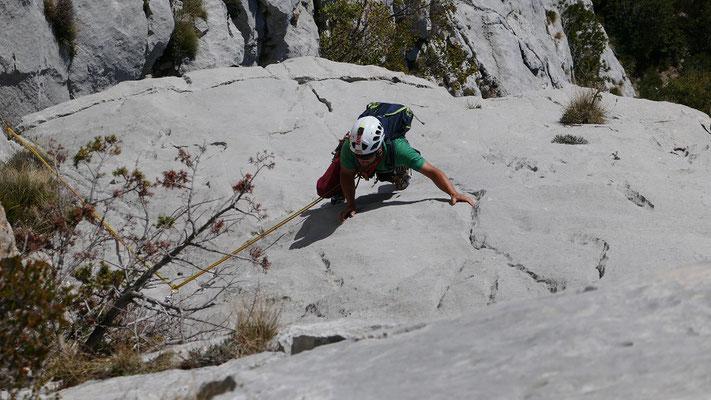 Rüdiger in den steilen Platten entlang der Eistüte in der In-A-Gadda-Da-Vida