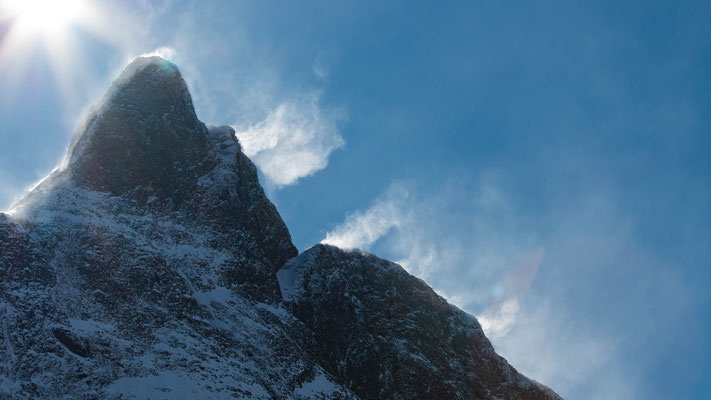 Schneefahnen auf dem Romsdalhorn / snow banner on the Romsdalshornet