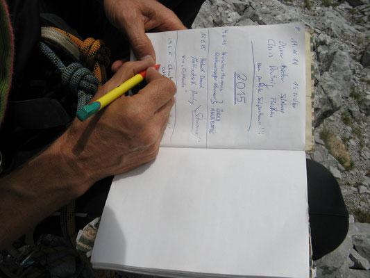 Eintrag in das Gipfelbuch des Däumling