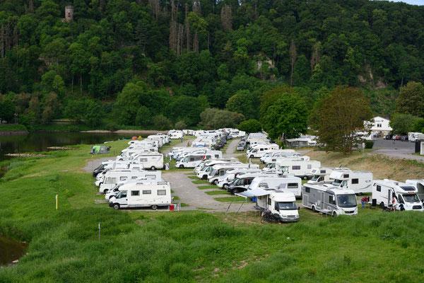 Überfüllte Campingplätze zu Pfingsten