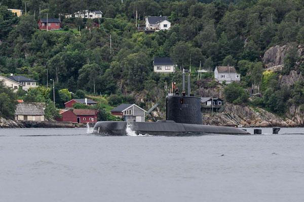 U-Boot in der Einfahrt von Bergen