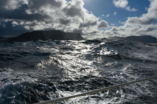 hohe Wellen um Stattlandet