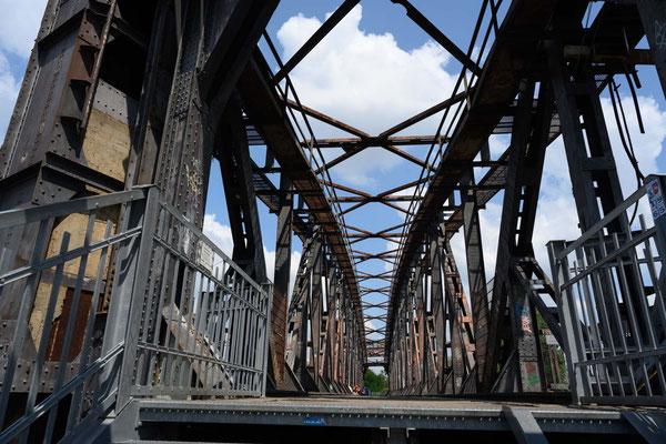 Hubbrücke über die Elbe in Magdeburg
