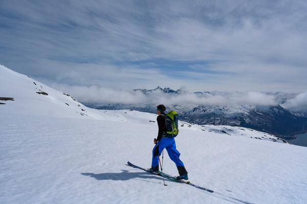 Skitour auf den Tromsdalstinden - langer Zustieg über den sicheren Weg