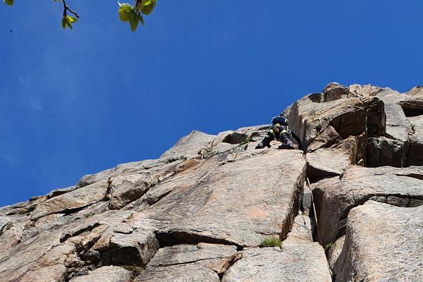 in der Kletterroute Gandalf an der Gandalf Wand in Henningsvær