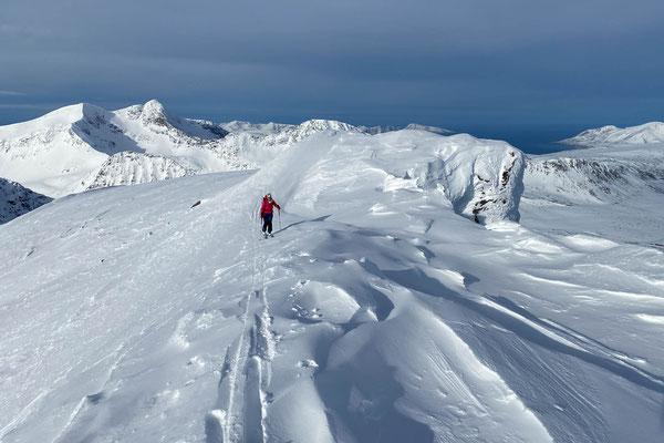 der Gipfel des Vannkista ist wilder als der Anblick gestern erahnen hat lassen