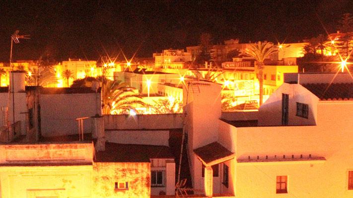 Tarifa bei Nacht