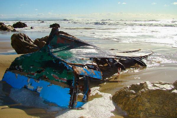 kaputtes Boot am STrand von Tarifa