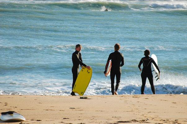 Surfer am Strand von Tarifa