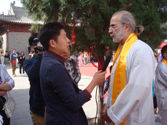 gerhard am interview: in einem der vielen Interviews an den ursprungsorten der daoistischen Medizin