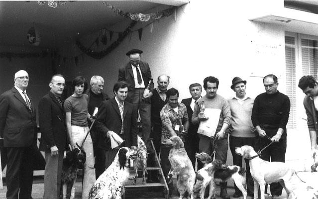 Foire aux Chiens : concours de chiens de chasse... remises de Prix