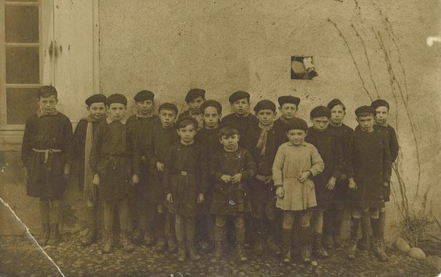 "Classe des ""garçons en 1935"