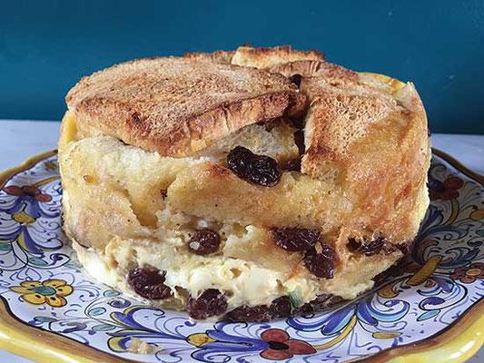 パンとバターのプディングは、筆者が「危険な」部類に入れている料理。