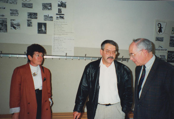 Rechts: Gemeindepräsident Louis Biehler