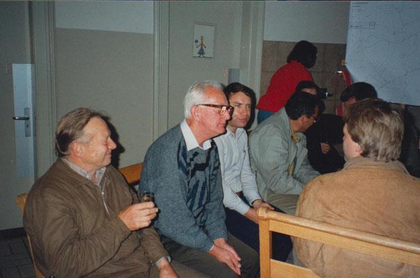 Gäste im Schulhaus. V.li. Adolf Zopfi, Gottfried Meier, Bernhard Schindler, Hans Marti, Rolf Hürlimann.