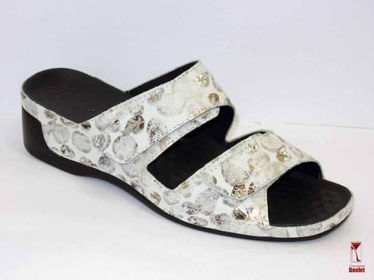Chaussures de confort - Vital - Blanc motifs - 108 €