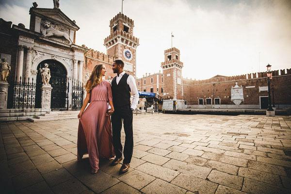 Honeymoon-Photoshoot-in-Venice