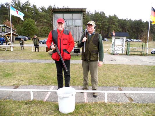 Bereits zum Stechen: links Werner Fröhlich und rechts Josef Berges