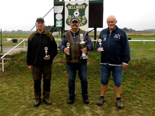 von links nach rechts: Gunther Greiff 2.Platz, Frank Hügelow 1.Platz (Wanderpokal) und Roberto Greiff 3.Platz