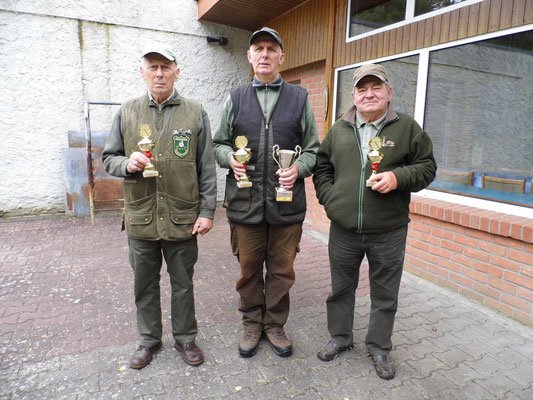 Gewinner der Seniorenklasse B von von links nach rechts: Jürgen Gottschlich 2.Platz, Gunther Greiff 1.Platz  (inkl. Wanderpokal) und Manfred Straßburg 3. Platz