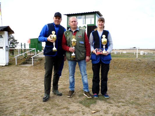 von links nach rechts: René Hafenstein 2.Platz, Michael Lehmann 1.Platz und Christina Allwardt 3.Platz