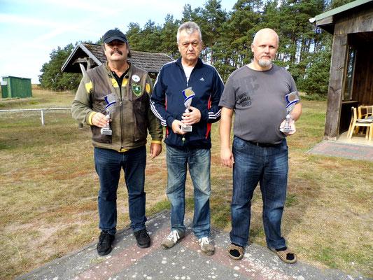Hier sehen Sie von links nach rechts: Frank Hügelow 2.Platz, Rainer Klockow 1.Platz und Roberto Greiff 3.Platz