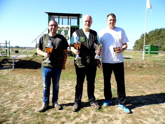 Gewinner der Schützen-/Altersklasse von links nach rechts: Sandro Schaffranke, Roberto Greiff und René Hafenstein