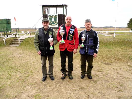 von links nach rechts: Dr. Thorsten Wendt, Henry Hafenstein und Karsten Pietschker