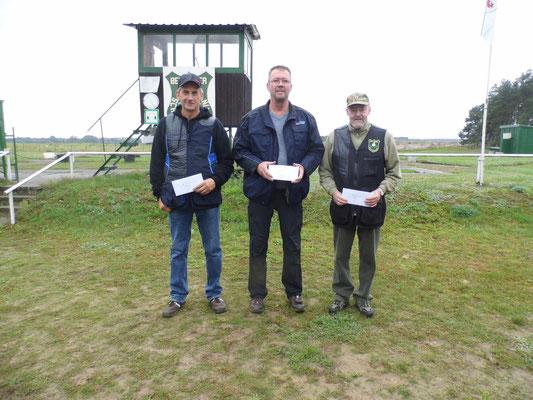 Gewinner der Seniorenklasse A von links nach rechts: Rolf Fischer, Michael Lindner und Dr. Thorsten Wendt