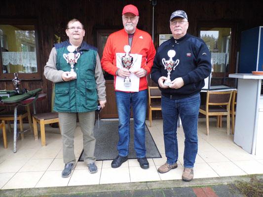 von links nach rechts: Winfried Preuß 2.Platz, Werner Fröhlich 1.Platz und Frank Hoellge 3.Platz
