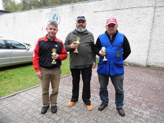 Gewinner der Seniorenklasse A von links nach rechts: Karsten Pietschker 2.Platz, Ulrich Tietz 1.Platz und Roland Seibt 3. Platz