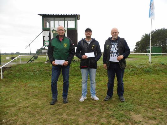 Gewinner der Schützen-/Altersklasse von links nach rechts: Torsten Laas, Tino Fröhlich und Roberto Greiff