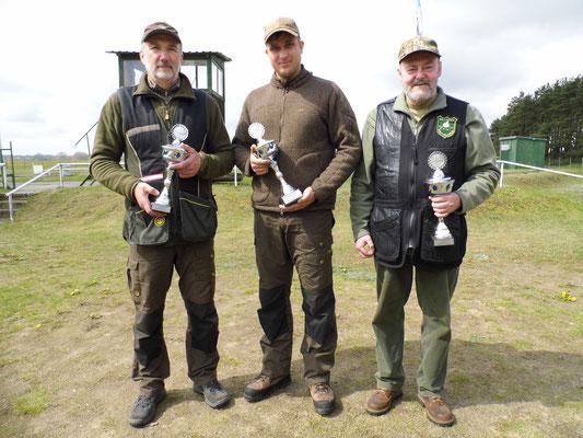 von links nach rechts: Roland Ueckermann, Pascal Kitzrow und Dr. Thorsten Wendt