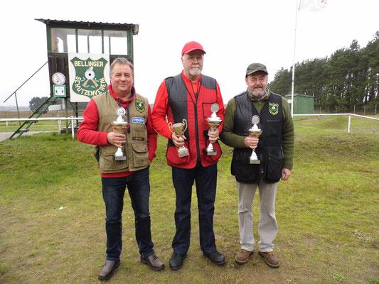 Gewinner der Seniorenklasse A von links nach rechts: Udo Schön 2.Platz, Werner Fröhlich 1.Platz (inkl. Wanderpokal) und Dr. Thorsten Wendt 3. Platz