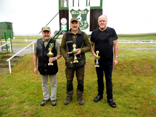Sieger der Seniorenklasse A von links nach rechts: Dr. Thorsten Wendt 2. Platz, Roland Ueckermann 1. Platz und Werner Fröhlich 3. Platz