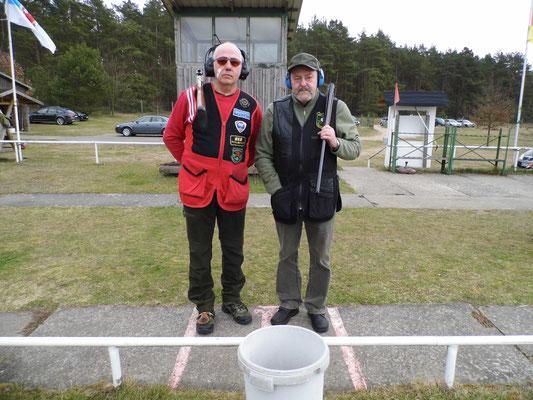 Bereits zum Stechen: links Henry Hafenstein und rechts Dr. Thorsten Wendt