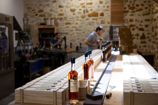 Preparing boxes of Armagnac Delord