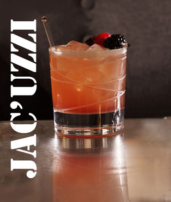 Jac'uzzi with Jahiot Creme de Mure, lime juice and sparkling water - low alcohol session cocktail