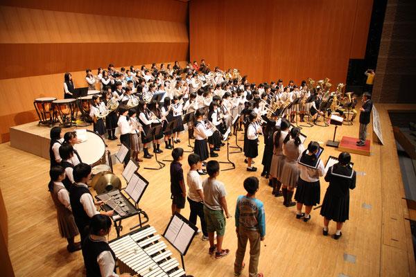 7校代表100名による合同演奏