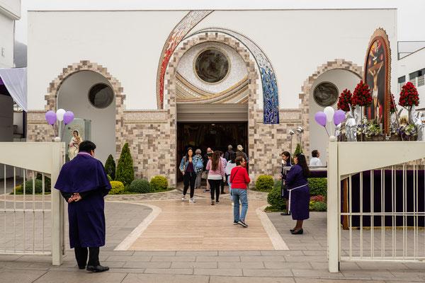 2. Nov.  Lima - Surco: Nuestra Senora de Consuelo