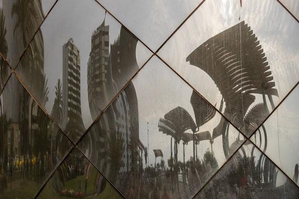 2. Nov.   Lima - Miraflores: Parque Salazar