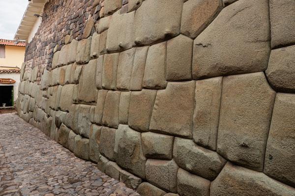 1Calle Hatunrumiyoc, Cusco, Nov. 2019