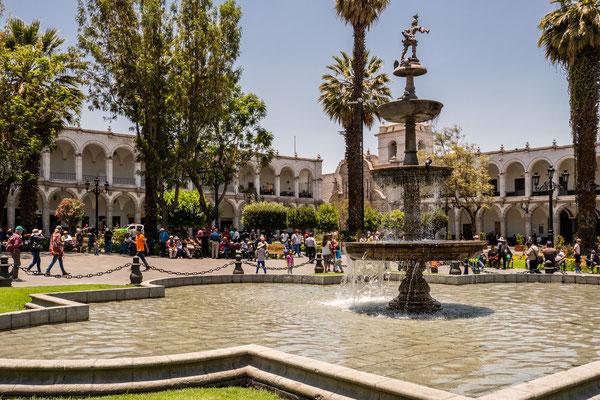 8. Nov.   Arequipa: Plaza de Armas