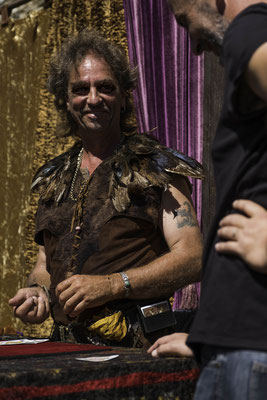 Perceval magicien et propriétaire de la Forteresse de THil