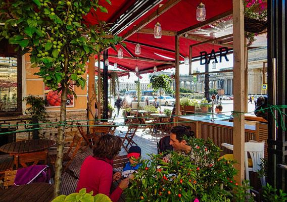 Straßencafe am Newski Prospekt